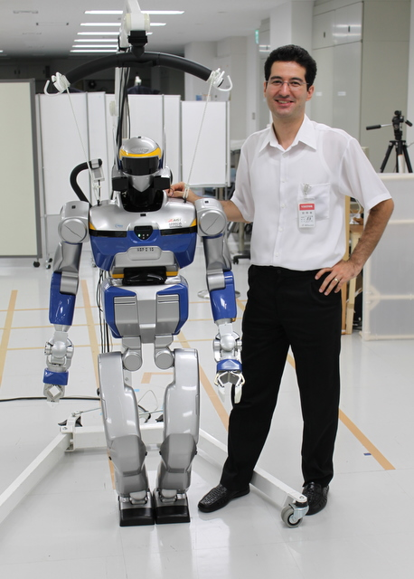 Petar Kormushev and HRP-2 robot