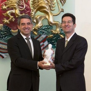 The President of Bulgaria, Mr. Rosen Plevneliev, giving the John Atanasoff award to me